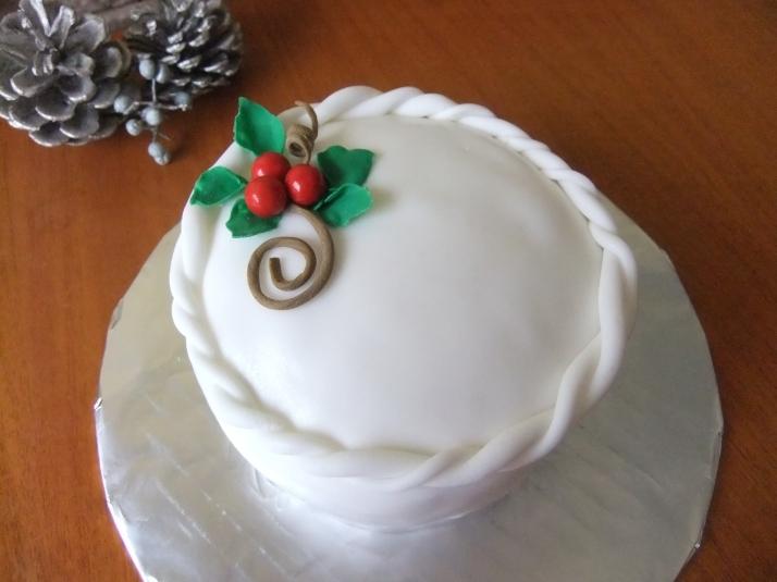 Fruitcake elegantly covered in Fondant.