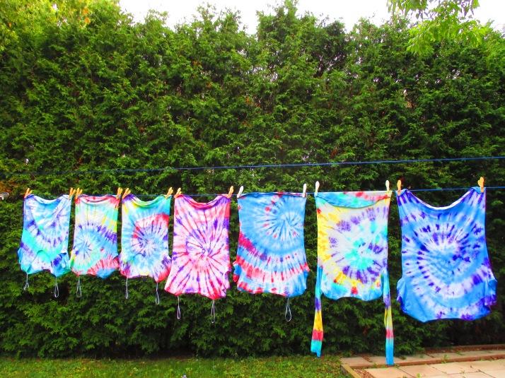 Variety of shirts in tye-dye (S-M-L)